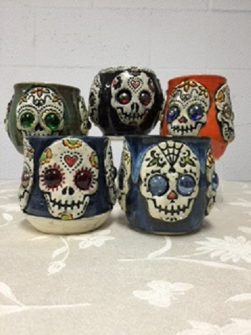 mudhut-skeleton-mugs
